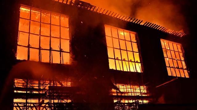 Monumentale Glasgow School of Art vernietigd door brand
