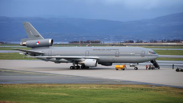'Vliegend tankstation' van Defensie met pech aan de grond in VS