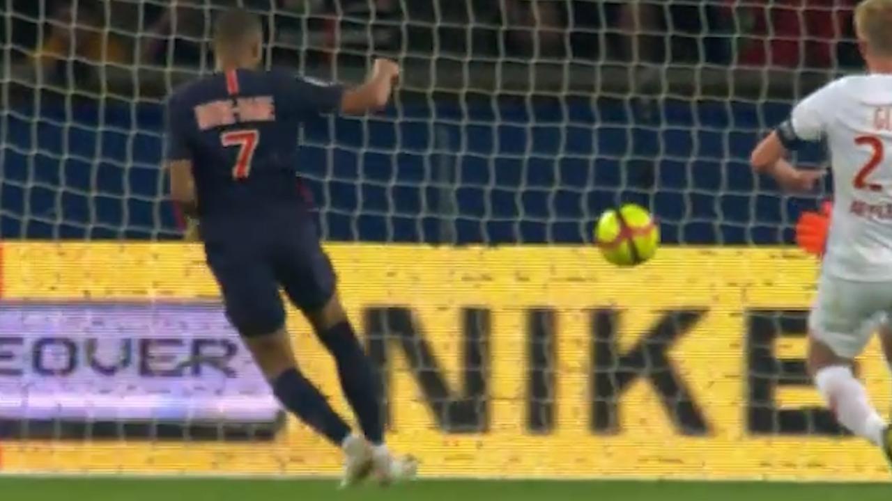 Mbappé luistert 'feestduel' PSG op met hattrick