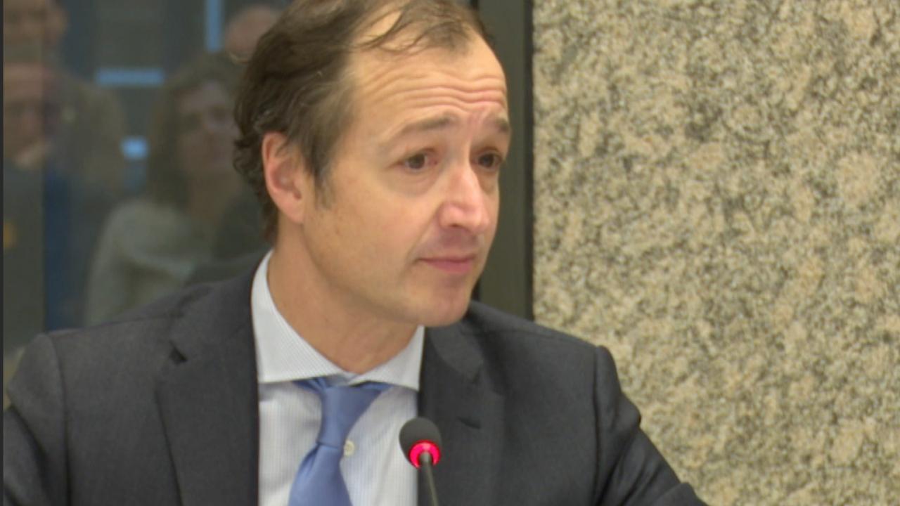 Pieter Omtzigt 'schrikt' van uitspraken Wiebes omtrent documenten vertrekregeling