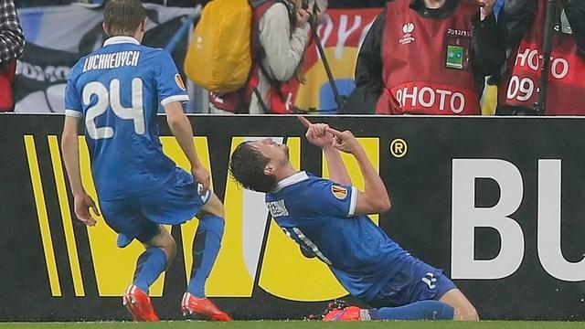 Dnjepr en Sevilla plaatsen zich voor finale Europa League