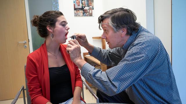 'Relatief minder verzekerden wisselen van zorgverzekeraar'