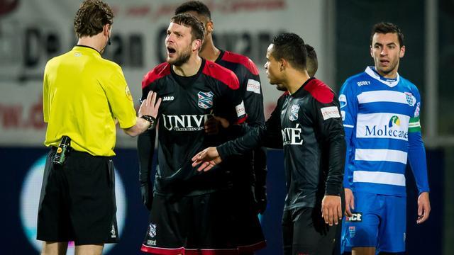 Heerenveen-aanvoerder Van den Berg één wedstrijd geschorst