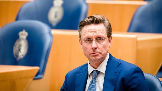 VVD-Kamerlid stapt op om 'ongelijkwaardige relatie' met medewerkster