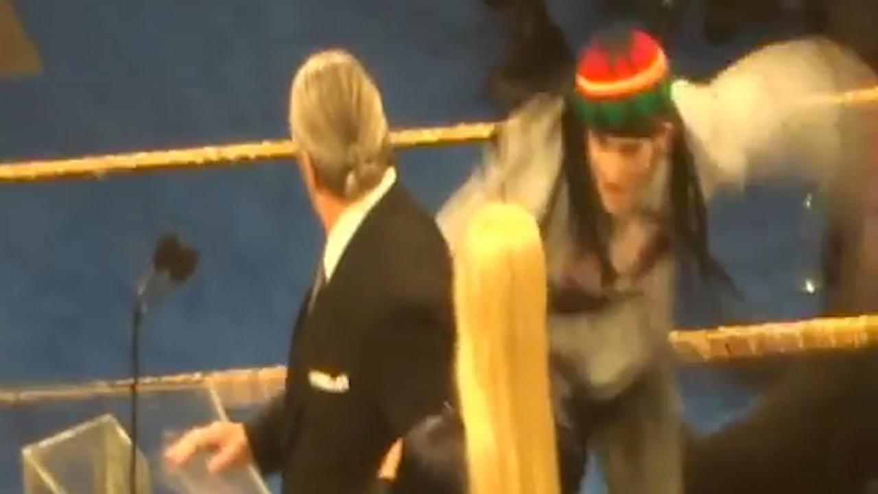 Man valt oud-WWE-worstelaar aan tijdens speech in New York