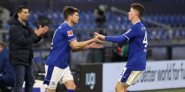Rentree Huntelaar bij dolend Schalke, hattrick Lewandowski voor tiental Bayern