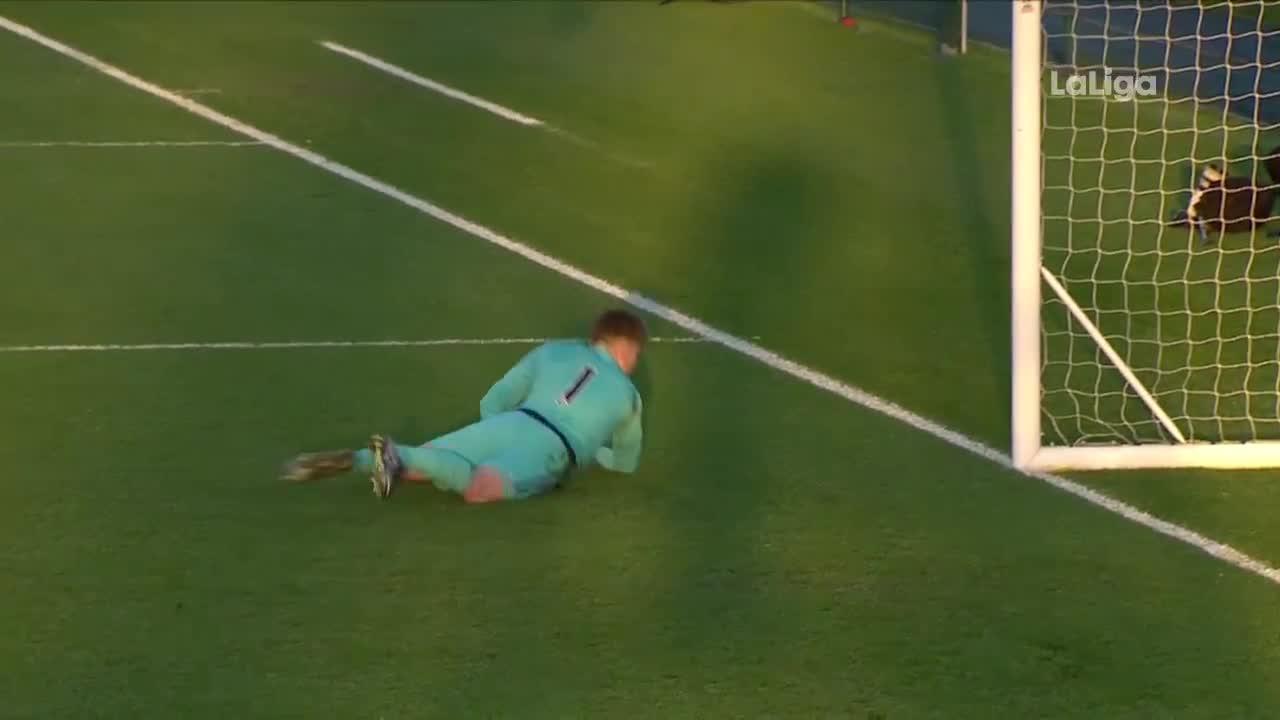 Scheidsrechter keurt penalty onterecht af in jeugdduel Valencia