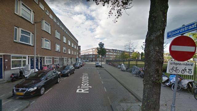 Meerdere woningen Rijsoordstraat ontruimd wegens gaslucht