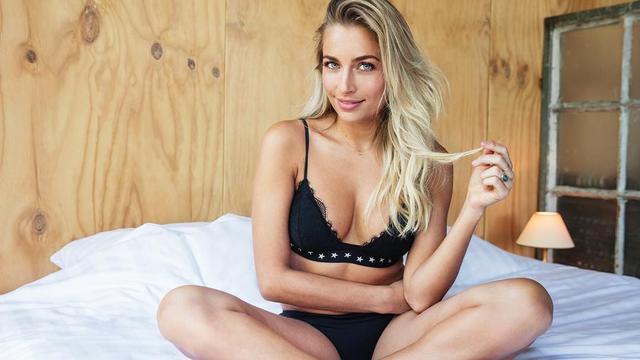 Presentator Shelly Sterk door FHM verkozen tot 'mooiste vrouw van Nederland'