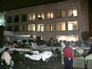 Schade aan gebouwen als ziekenhuizen en scholen