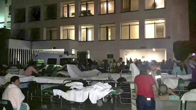 Zeker 32 doden na aardbeving voor de kust van Mexico