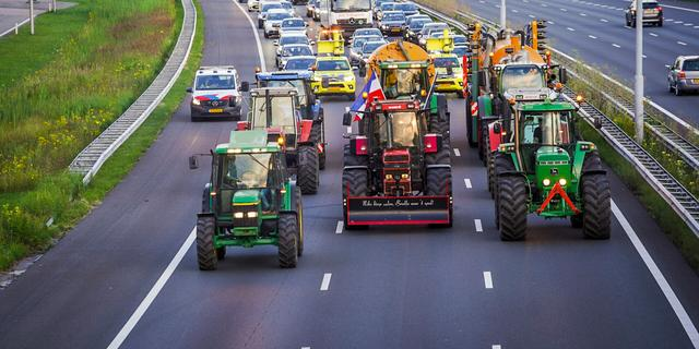 Boeren voerden op meerdere plekken actie, onder meer A2 geblokkeerd