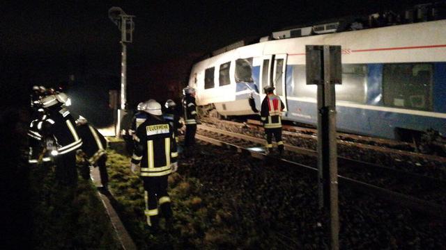 Tientallen gewonden bij treinongeval in Duitsland