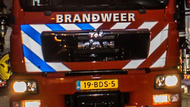 Stroschuur in Finsterwolde gaat in vlammen op