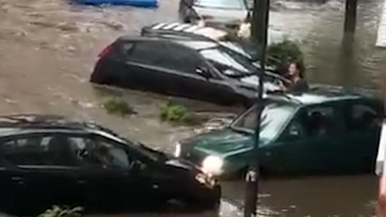Duitse stad Aken onder water door zware regenval