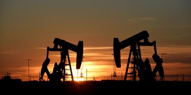 Olieprijs blijft maar stijgen en bereikt hoogste punt in jaar tijd