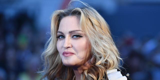 'Idris Elba en Madonna zoenend gezien op feest in Londen'