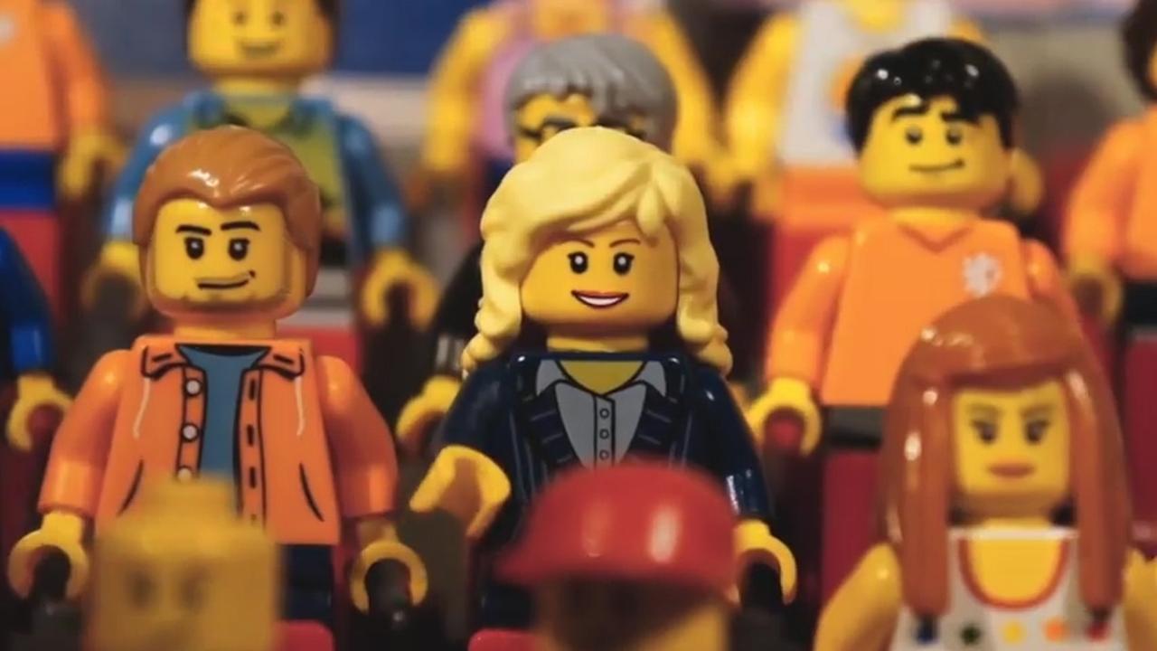 Beroemd Claudia de Breij - 'Wilhelmus' (Lego stop motion) | NU - Het @IA87