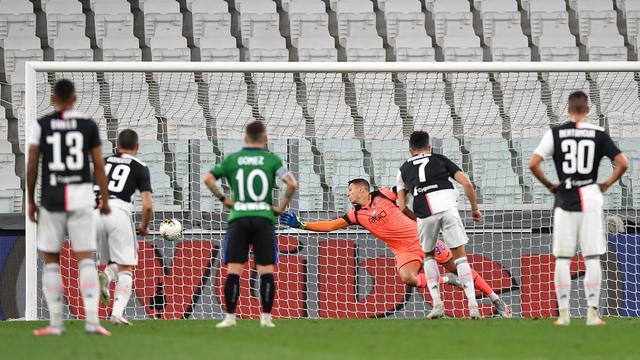 Juventus pakt door penalty's punt tegen Atalanta, Barcelona blijft in titelrace