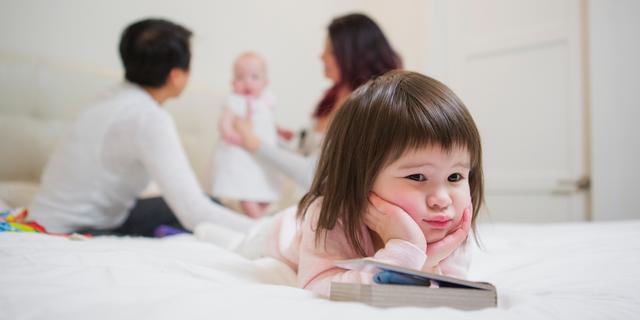 'Als je het gedrag van een jaloers kind afkeurt, wordt het vaak erger'