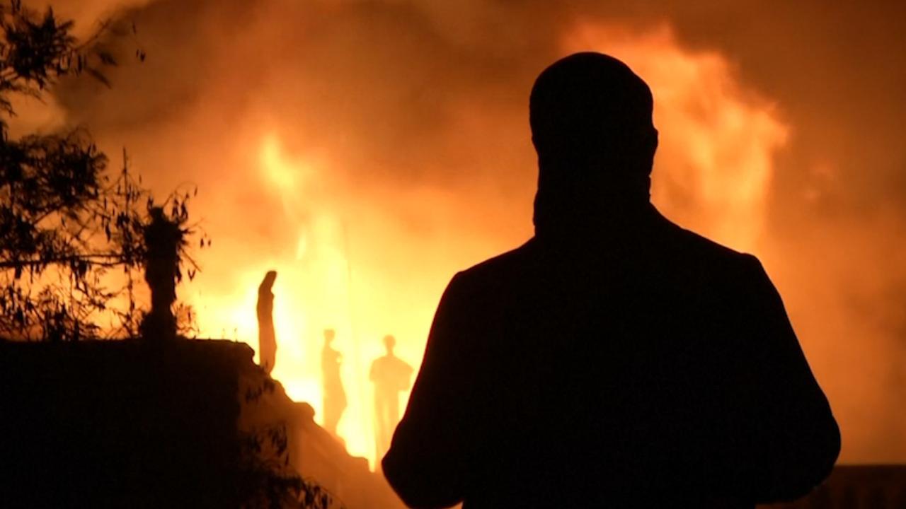 Vlammen slaan uit Nationaal Museum van Brazilië