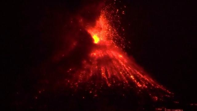 Indonesische vulkaan barst zaterdag voor 44e keer uit in week tijd