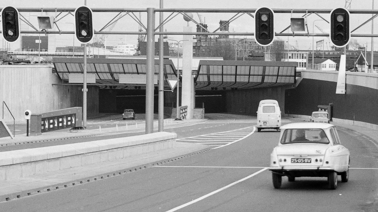 IJtunnel vijftig jaar: Van verbindingsweg tot renovatieproject