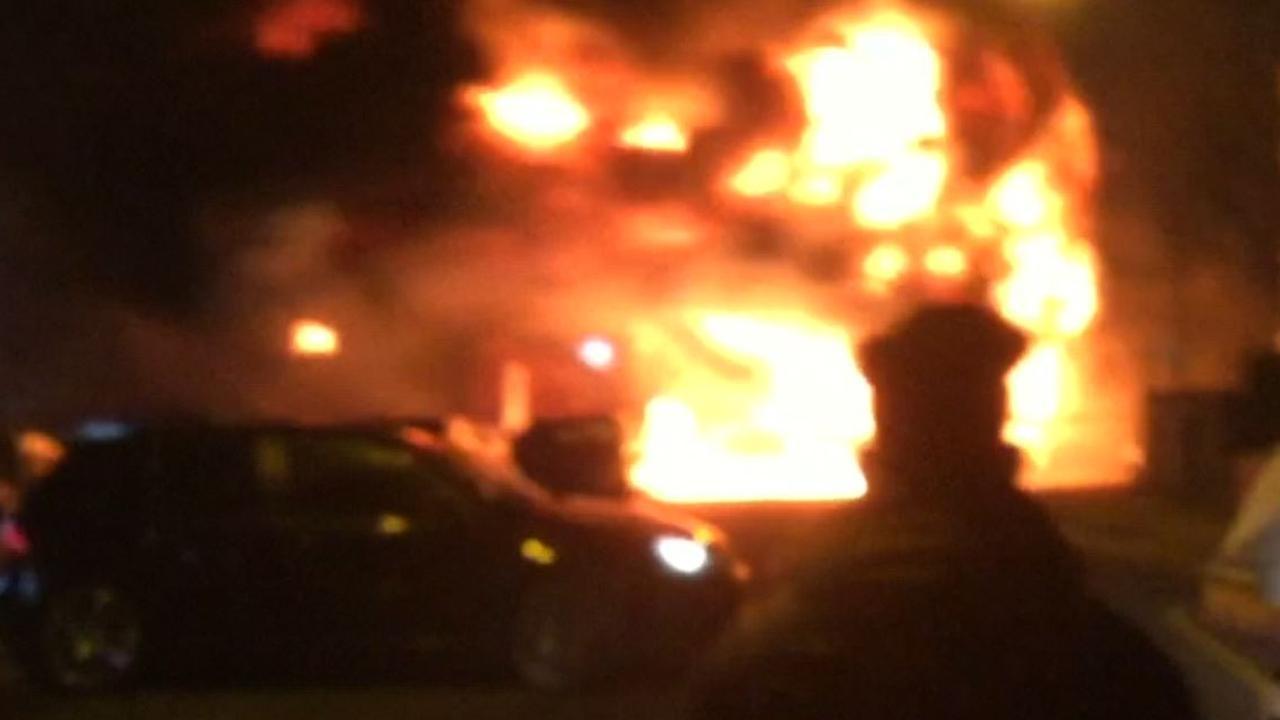 Enorme brand verwoest verffabriek in Londen