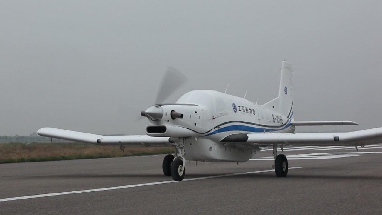 Grootste vrachtdrone ter wereld maakt testvlucht in China