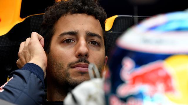 Ricciardo zoekt verklaring voor betere prestaties van Verstappen