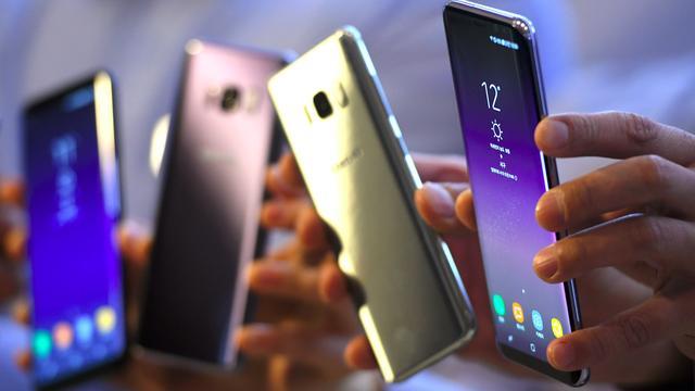 Omzetdaling Nederlandse mobiele markt remt af
