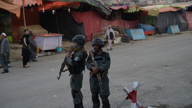 Tientallen doden door zelfmoordaanslag op moskee in Kabul