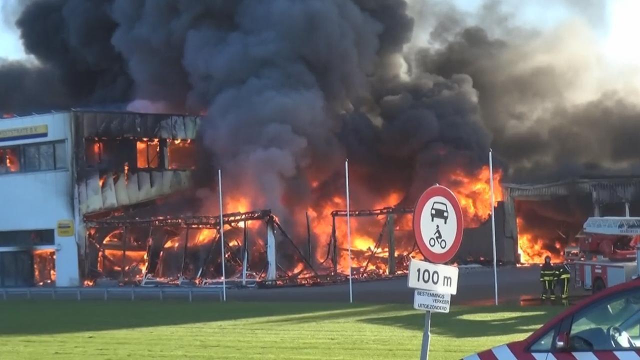 Uitslaande brand in bedrijfspand Goes