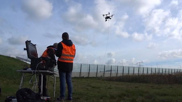 Rijkswaterstaat meet verkeersdrukte bij A1 met drone