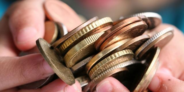 Consumenten gebruiken nog minder contant geld