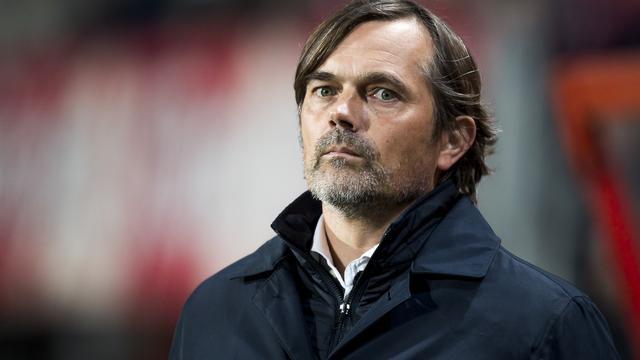 Cocu teleurgesteld over mislukte zoektocht PSV naar linksback