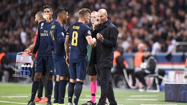Geïrriteerde Zidane vindt dat Real op alle fronten is overklast door PSG