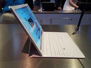 Samsung-tablet met meegeleverd toetsenbord toont potentie