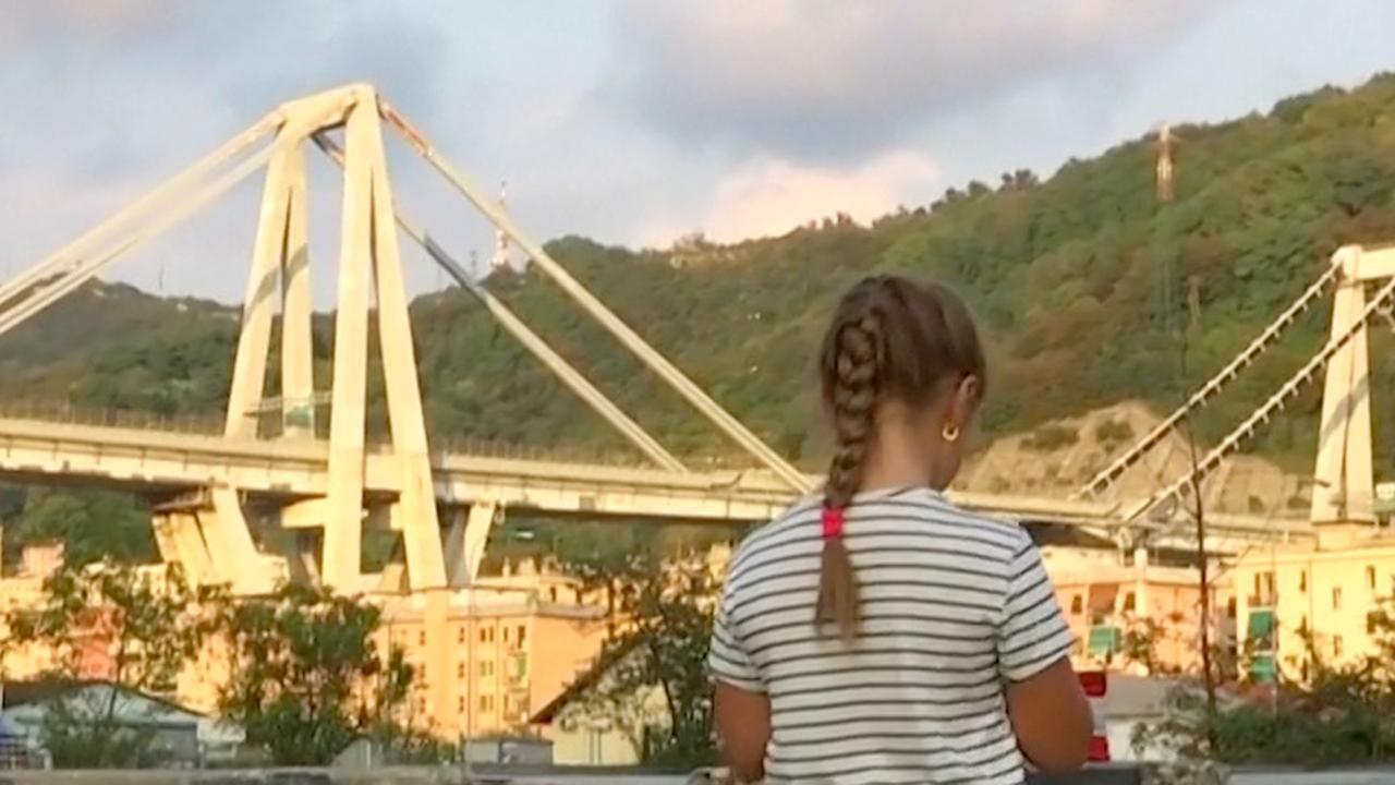 Genua houdt maand na instorten brug minuut stilte