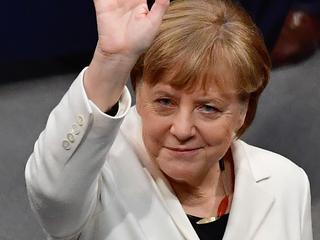 Christen-democrate kreeg 364 van de 688 uitgebrachte stemmen in Bondsdag