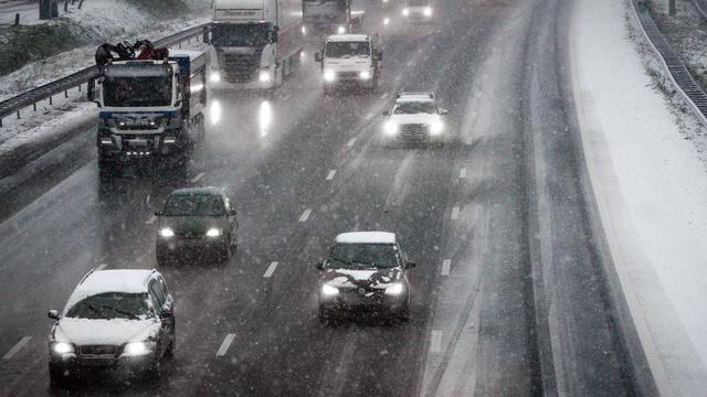 Sneeuw zorgt alleen in Zeeland voor gladde wegen tijdens avondspits