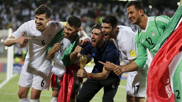 Jahanbakhsh en Ghoochannejhad plaatsen zich met Iran voor WK