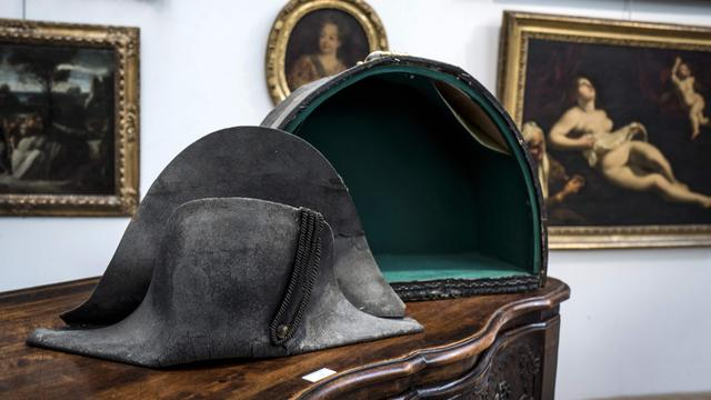 Steek die Napoleon droeg bij Waterloo verkocht voor 350.000 euro