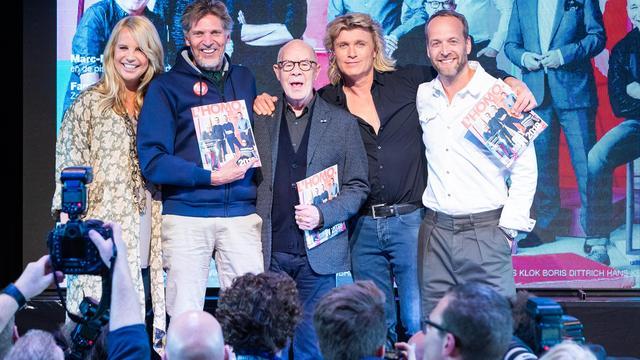 Paul de Leeuw en Hans Klok met acht anderen op cover L'Homo