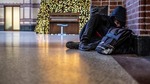 Gronings Hotel Biedt Dakloze Man 20 Onderdak En Eten Met Kerst