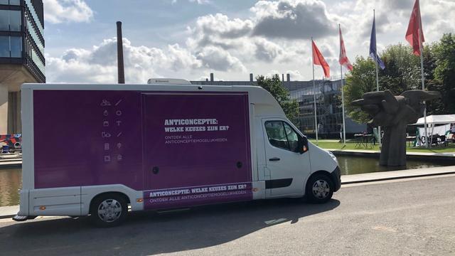 Anticonceptiecamper op de campus bij introductieweek TU Eindhoven