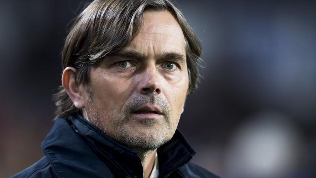 Cocu en De Jong 'ziek' van gelijkspel PSV tegen Heerenveen