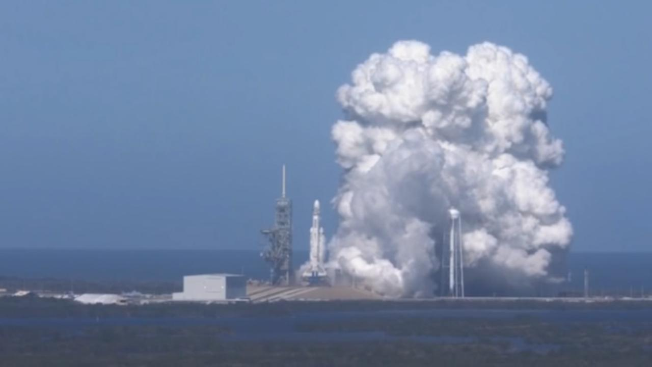 SpaceX test motoren voor Falcon Heavy-raket