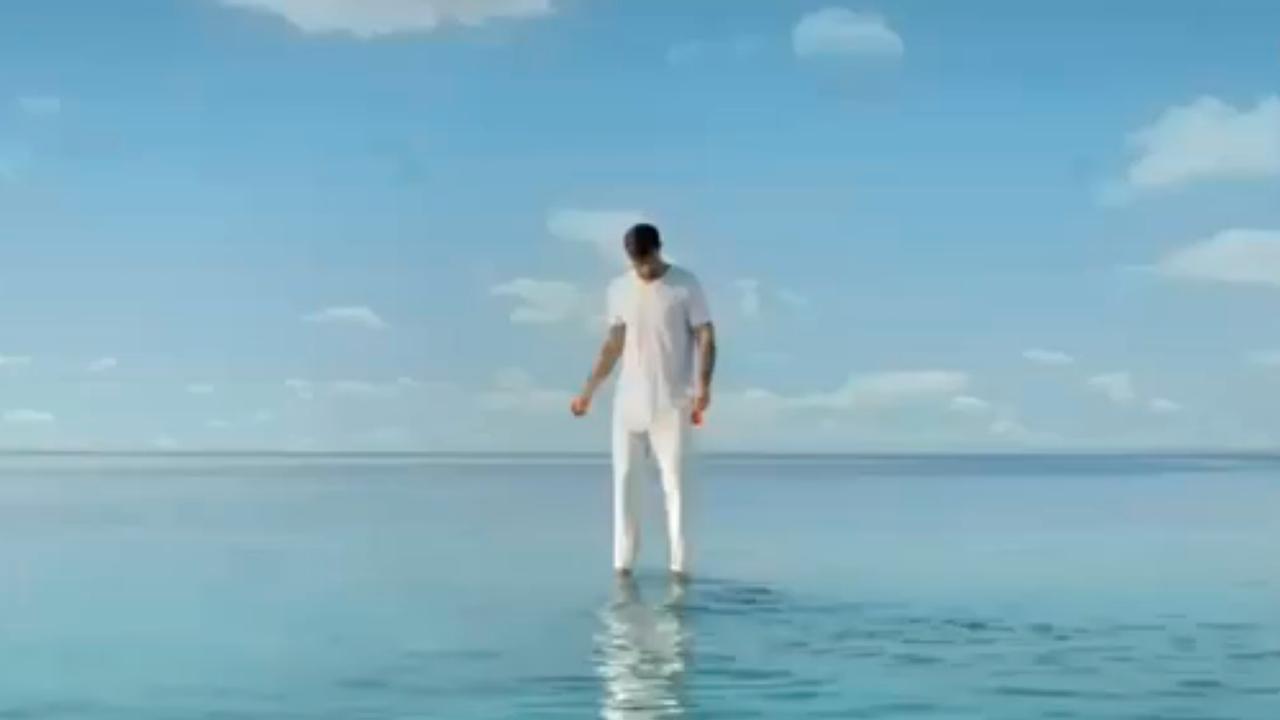Holy Soda reclame met Arie Boomsma