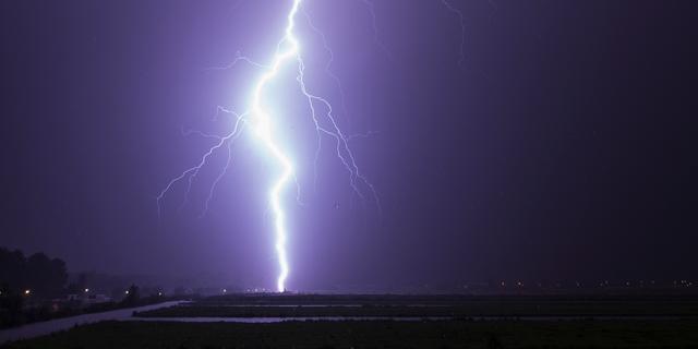 Geen treinen tussen Roosendaal en Breda door blikseminslag